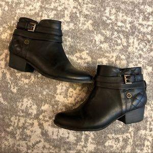Liz Claiborne Black Booties Size 6
